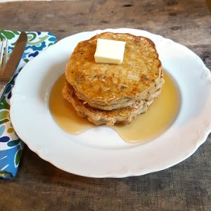 Oatmeal Cookie Pancakes - take an oatmeal cookie recipe and translate it into pancakes and you have a wonderfully delicious breakfast! From @NevrEnoughThyme https://www.lanascooking.com/oatmeal-cookie-pancakes/
