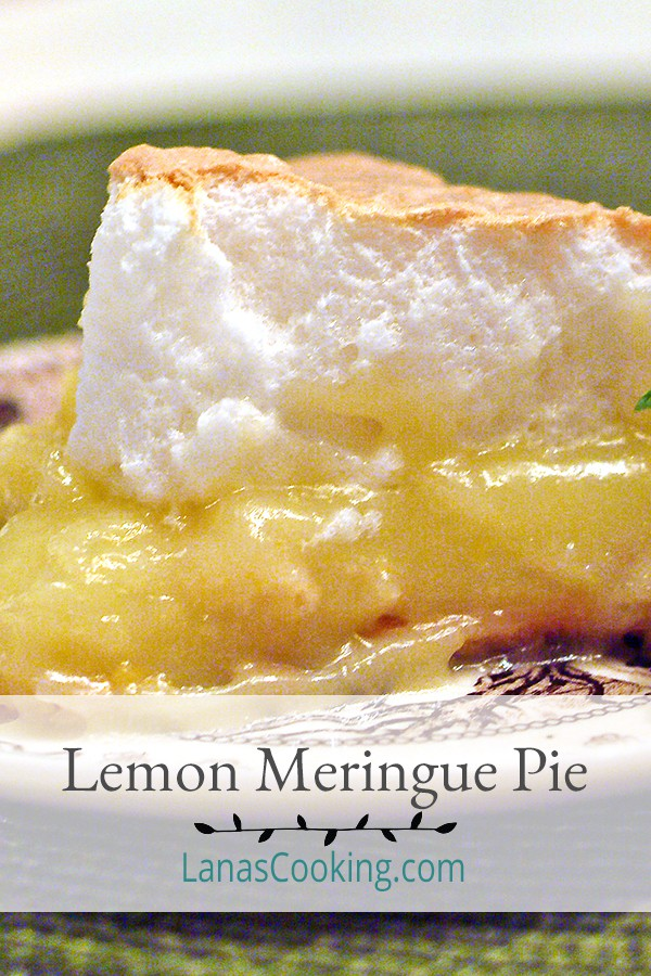 Classic Lemon Meringue Pie - tart, sweet, and perfect for summer. Perfect for summer picnics and makes a sweet ending for warm weather dinners From @NevrEnoughThyme https://www.lanascooking.com/lemon-meringue-pie/