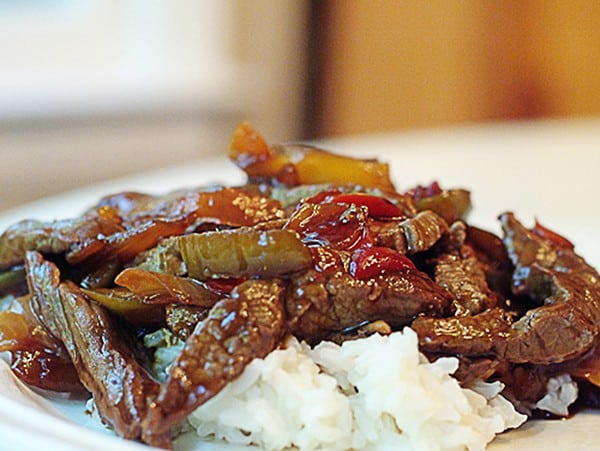 Sesame Beef Stir Fry - A beef stir-fry with mixed vegetables, seasoned with sesame oil. From @NevrEnoughThyme http://www.lanascooking.com/sesame-beef-stir-fry