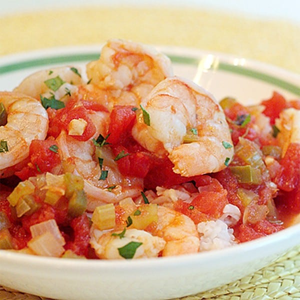 Tomatoes and the trinity of bell pepper, onion, and celery combine to make a sauce for this southern classic - shrimp creole. From @NevrEnoughThyme http://www.lanascooking.com/shrimp-creole