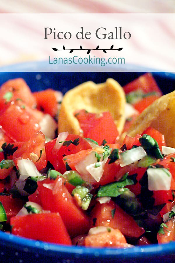 Classic Pico de Gallo - a traditional accompaniment for many Mexican dishes and a great football game snack! Serve with tortilla chips or corn chips. From @NevrEnoughThyme http://www.lanascooking.com/pico-de-gallo/