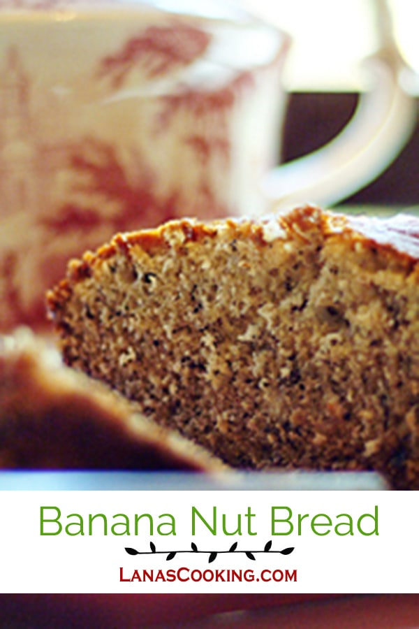 Banana Nut Bread - a moist, sweet banana and pecan bread great for breakfast, dessert or a snack. From @NevrEnoughThyme http://www.lanascooking.com/banana-nut-bread
