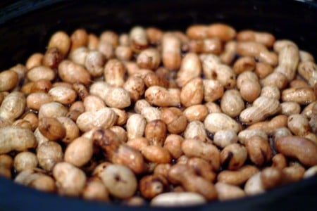 Clean peanuts ready to make Boiled Peanuts