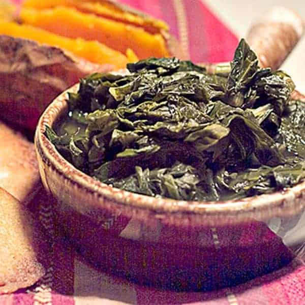 A combination as Southern as it gets. Turnip greens and corn pone. Tender greens served with crispy, golden brown corn pone. From @NevrEnoughThyme http://www.lanascooking.com/tunrnip-greens-and-corn-pone