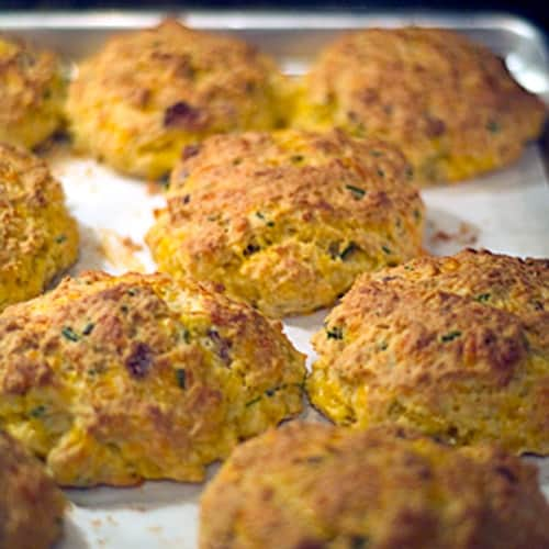 Bacon Cheddar Biscuits These Bacon Cheddar Biscuits are buttermilk ...