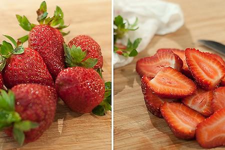 Prepare the strawberries