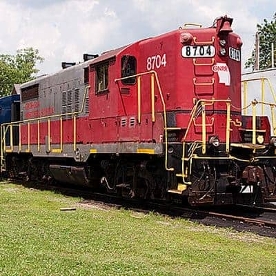 Riding the Blue Ridge Scenic Railway, an excursion train that runs between Blue Ridge, Georgia, and McCaysville, Georgia / Copperhill, Tennessee From @NevrEnoughThyme https://www.lanascooking.com/riding-the-blue-ridge-scenic-railway/