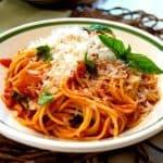 Pasta with Tomato-Basil Sauce