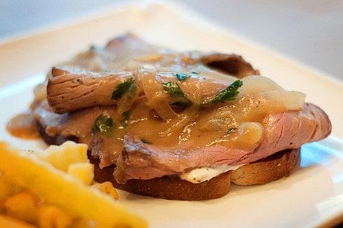 Hot Roast Beef Sandwich with Horseradish Cream