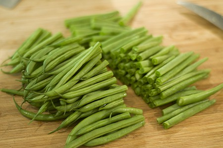 Green beans cleaned and cut in half