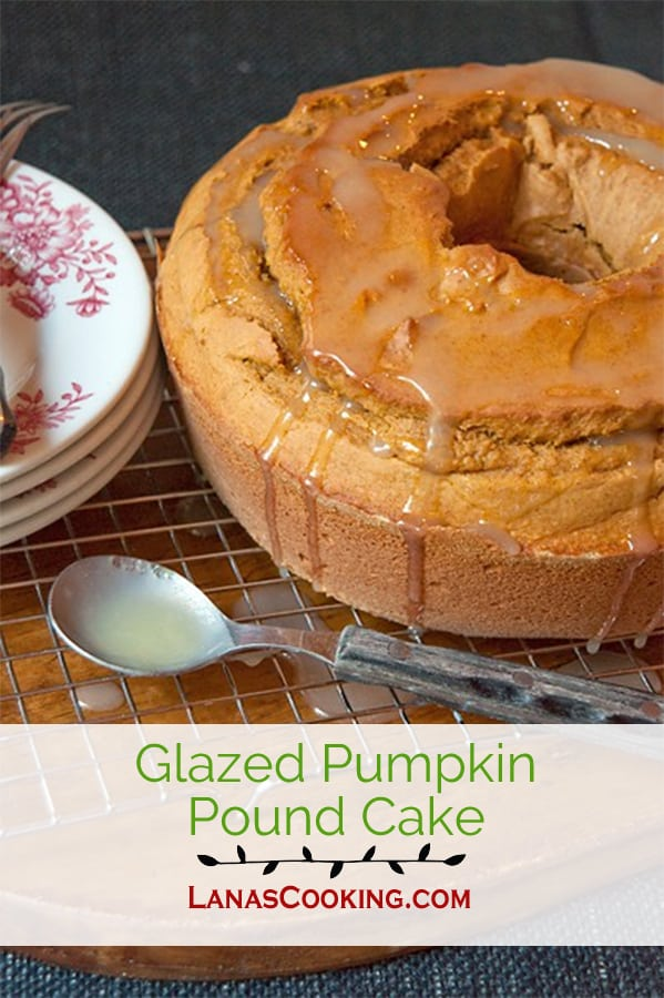 This Glazed Pumpkin Pound Cake is a rich, buttery pound cake made with buttermilk, pumpkin and warm fall spices, then topped with a sweetened buttermilk glaze. From @NevrEnoughThyme http://www.lanascooking.com/glazed-pumpkin-pound-cake/