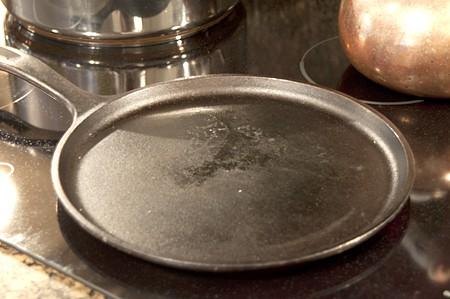 Lacy Cornbread flat griddle pan