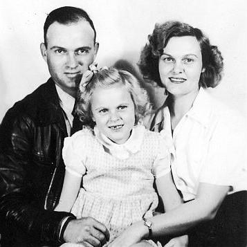 Gran Robert, Mama and Polly