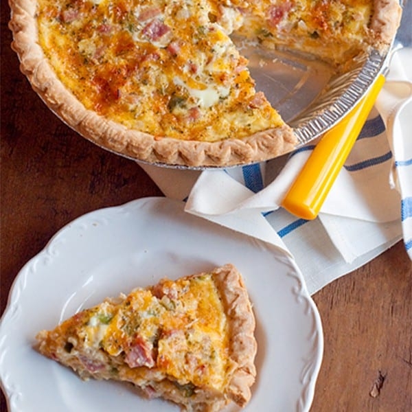 A classic - ham and cheese quiche for your lunch or dinner. From @NevrEnoughThyme http://www.lanascooking.com/ham-and-cheese-quiche/