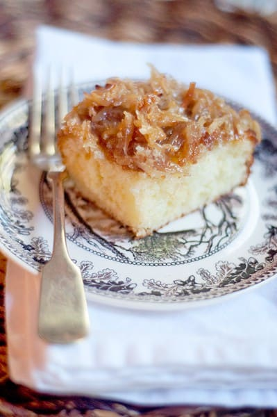 Lazy Daisy Cake - a buttery yellow cake layer with a broiled coconut topping. From @NevrEnoughThyme http://www.lanascooking.com/lazy-daisy-cake