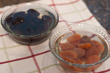 Soaking dried apricots and prunes