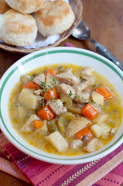 A hearty, Slow Cooker Chicken Stew perfect for a fall dinner. From @NevrEnoughThyme http://www.lanascooking.com/slow-cooker-chicken-stew