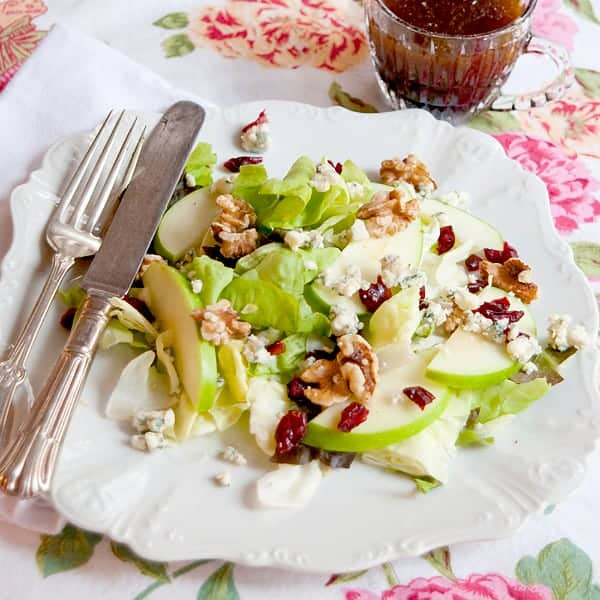 This Apple Cranberry Salad is light and refreshing with autumnal flavors of apple, cranberry, and walnuts. A lighter side dish for your Thanksgiving table. From @NevrEnoughThyme https://www.lanascooking.com/apple-cranberry-salad-and-a-thanksgiving-recipe-roundup/