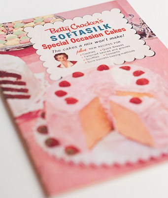 1957 Betty Crocker advertisement for Softasilk