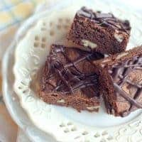 Betty Crocker 1957 Brownies - a recipe for densely chocolatey chewy brownies from a 1957 Betty Crocker advertising pamphlet. From @NevrEnoughThyme https://www.lanascooking.com/1957-brownies/