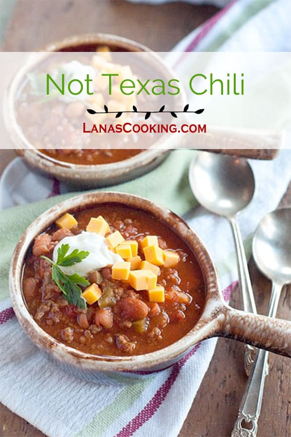 A quick and easy, traditional chili recipe. Though not an authentic Texas chili, this has been our family's favorite for years! From @NevrEnoughThyme http://www.lanascooking.com/not-texas-chili/