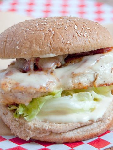 Serve this Chicken Bacon and Swiss Sandwich for a hearty dinner any night of the week. Add a salad or fries for a full meal. From @NevrEnoughThyme https://www.lanascooking.com/chicken-bacon-and-swiss-sandwich/