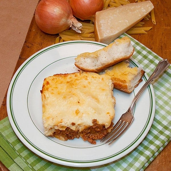 A traditional Greek recipe, this Pastitsio is adapted to more suit southern tastes. Layers of pasta and meat sauce topped with a creamy, cheesy bechamel. From @NevrEnoughThyme http://www.lanascooking.com/pastitsio