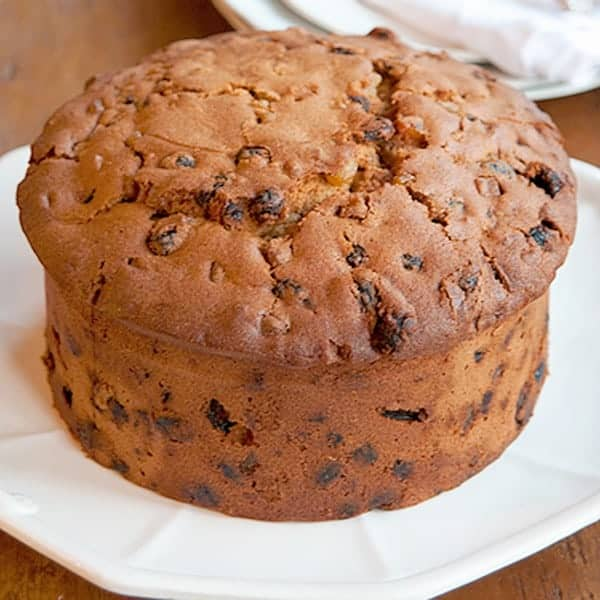 Mr. Guinness' Cake - Similar to an American fruitcake. Full of tasty candied fruit, raisins, and nuts, the cake is doused with Guinness and aged for one week before serving. From @NevrEnoughThyme http://www.lanascooking.com/-mr-guinness-cake
