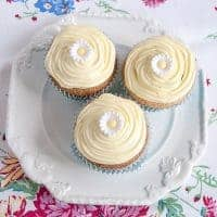 Cornmeal Cupcakes with Cream Cheese Frosting - cupcakes made with half flour and half finely ground white cornmeal topped with a cream cheese frosting. https://www.lanascooking.com/cornmeal-cupcakes-cream-cheese-frosting/