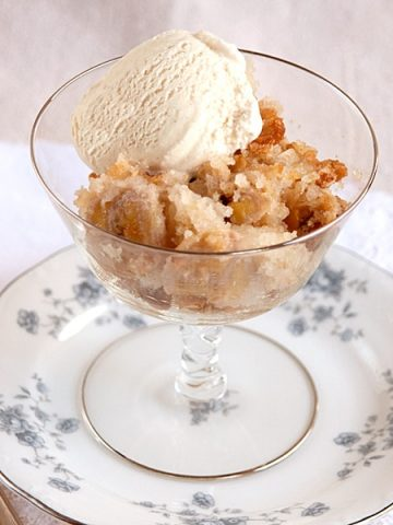 Southern comfort food at its very best in this delicious and easy to make Banana Bread Cobbler. From @NevrEnoughThyme https://www.lanascooking.com/banana-bread-cobbler