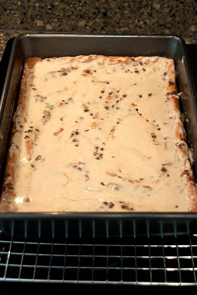 Glaze the Peanut Butter Chocolate Chip Bars