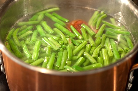Cooking Old Fashioned Southern Green Beans