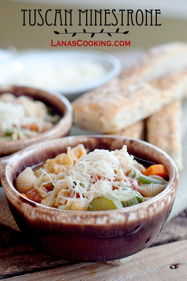Tuscan Minestrone soup - a classic Italian soup loaded with fresh, seasonal vegetables. From @NevrEnoughThyme http://www.lanascooking.com/tuscan-minestrone