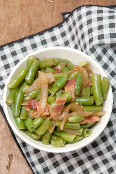 Green Beans with Bacon and Onions - Never Enough Thyme