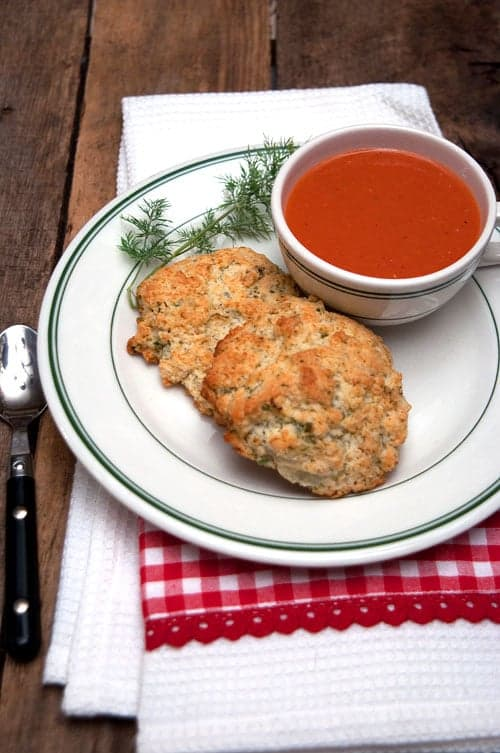 Herbed Drop Biscuits from @NevrEnoughThyme http://www.lanascooking.com/herbed-drop-biscuits/