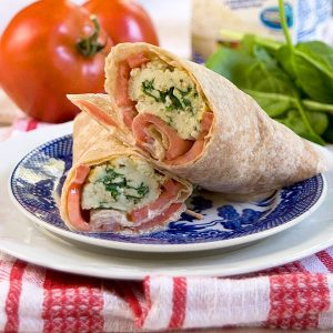 These Spinach and Feta Wraps are a healthy option for breakfast, brunch, or lunch. From @NevrEnoughThyme http://www.lanascooking.com/spinach-feta-wraps/ #eggwhites #wrap #spinach