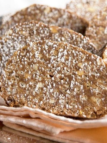 Chocolate Peanut Butter Paté - perfect homemade candy for the holidays or any time! From @NevrEnoughThyme https://www.lanascooking.com/chocolate-peanut-butter-pate