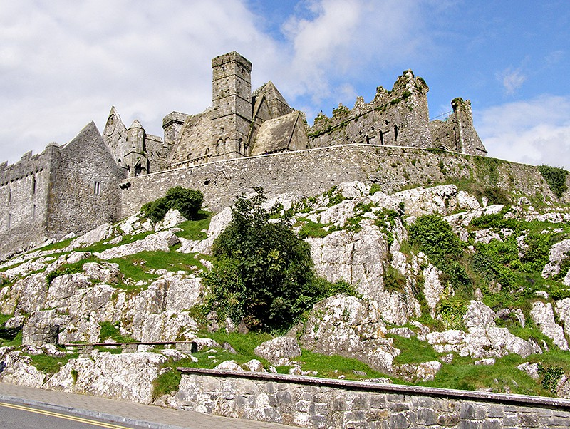 The Rock of Cashel (St. Patrick's Rock) From @NevrEnoughThyme http://www.lanascooking.com/boxty