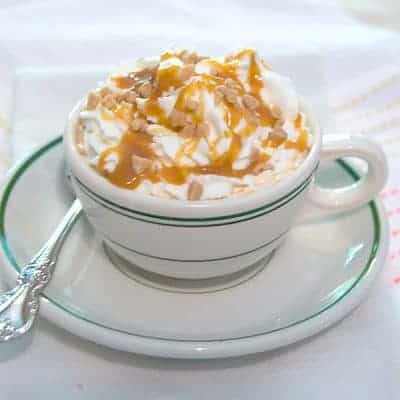 Caramel Mocha Latte - Enjoy it as a delicious afternoon pick-me-up or a serve to your guests for a delicious after dinner dessert coffee. From @NevrEnoughThyme https://www.lanascooking.com/caramel-mocha-latte/