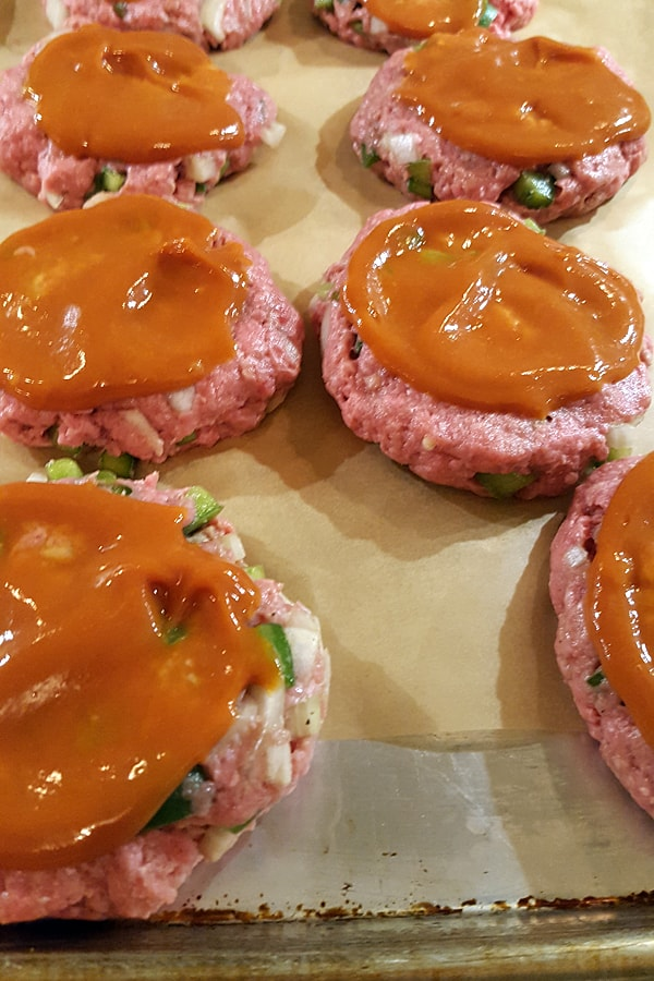 Add topping mixture to prepared patties