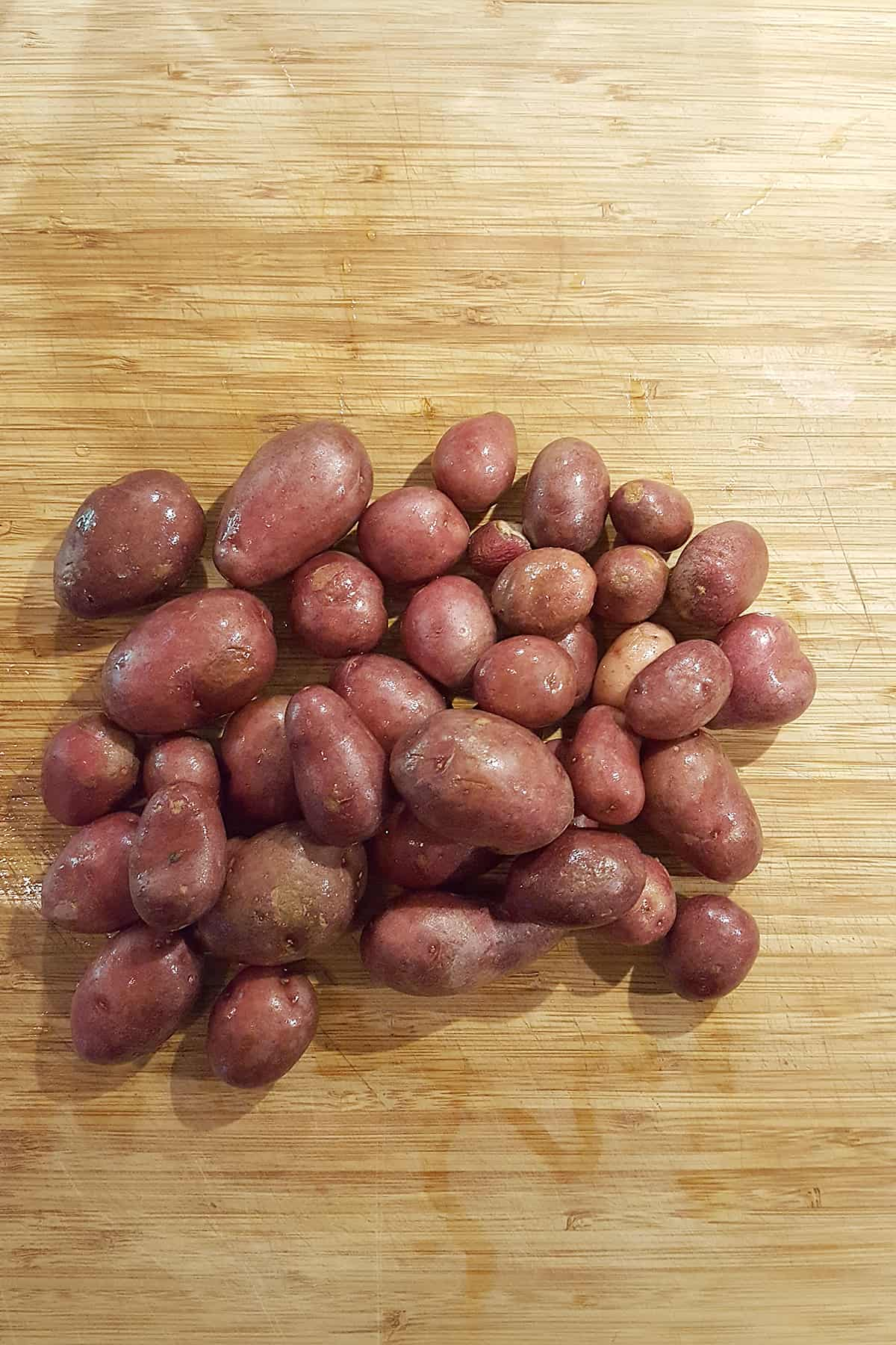 Wash the potatoes well to remove any dirt