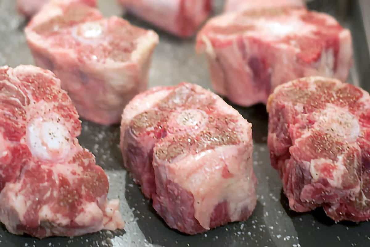 Oxtails sprinkled with salt and pepper